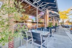 restaurant-sitting